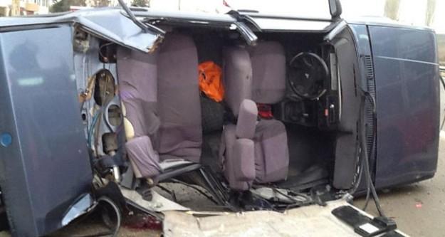 İnegöl'de feci kaza: 1'i çocuk 3 ölü!