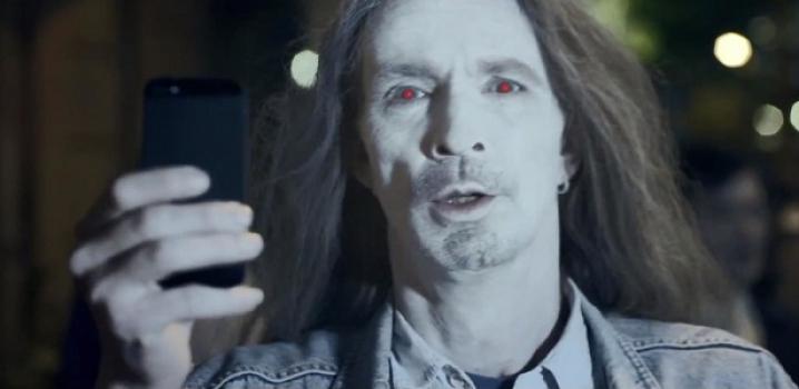iPhone'cuları Kızdıran Reklam