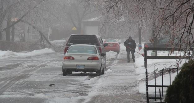 Kanada'da fırtına hayatı felç etti