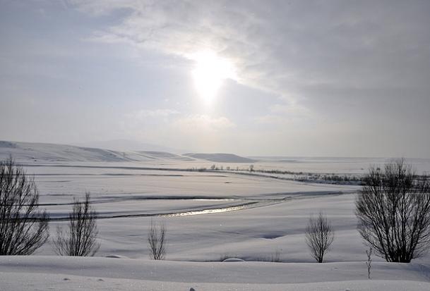 Kars buz tuttu