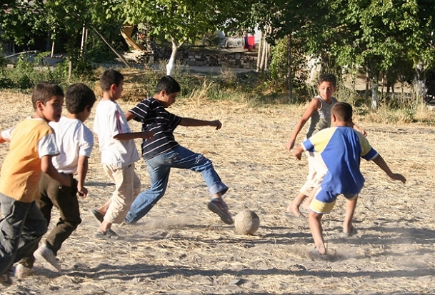 Kırsalın çocukları sağlıkta kentliye fark attı