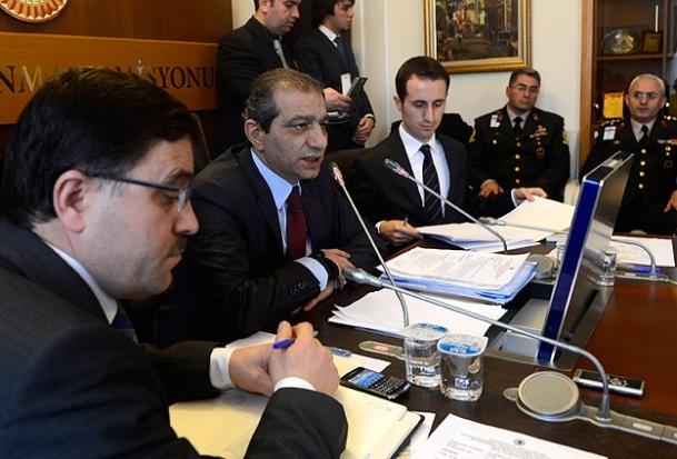Komisyon eski istihbaratçıları dinleyecek