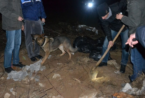 Köpeğin eşelediği yerden ceset çıktı