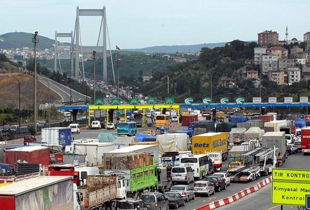 Köprü ve otoyollardan 115 milyon lira geçti