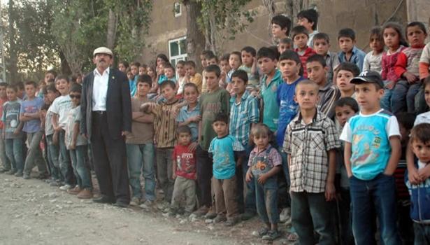 'Köyde iş olmayınca çocuk yapıyoruz'
