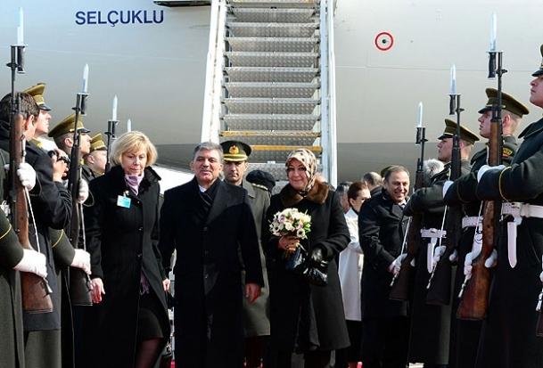 Litvanya Şeref Kıtası'nı selamladı