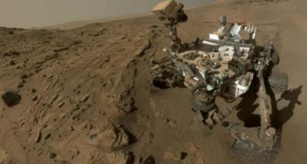 Mars'tan yıldönümü selfiesi!