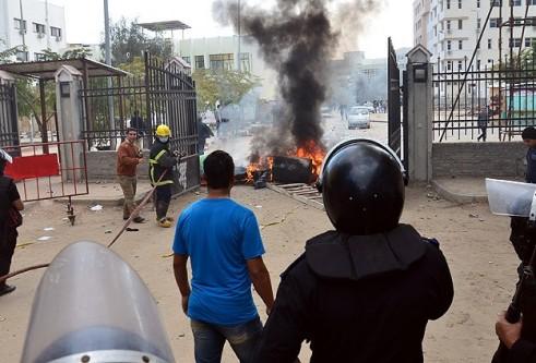 Mısır'da anayasa referandumu gösterilerinde kan aktı