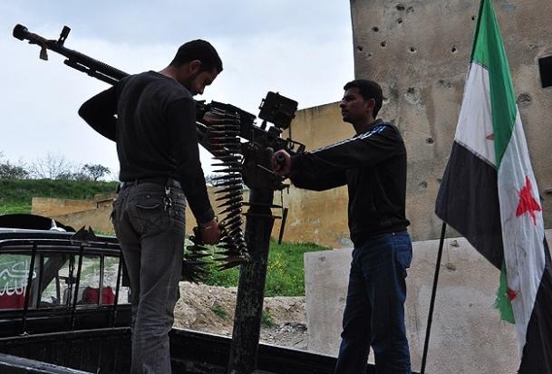 Muhalifler Halep ve Humus'ta iki savaş uçağı düşürdü