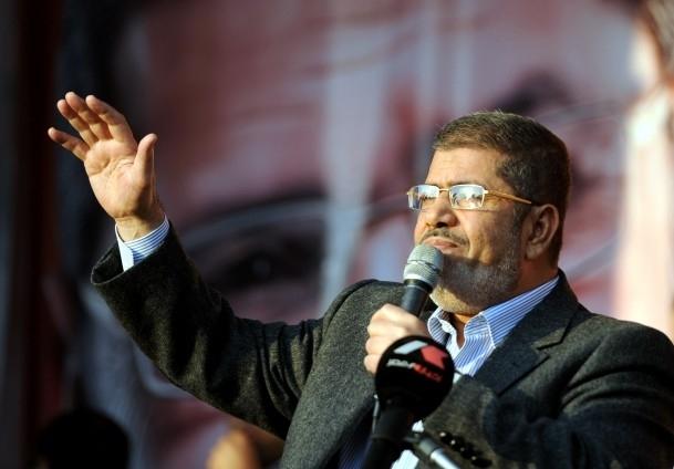 Mursi'den eski rejim yanlılarına sert tepki