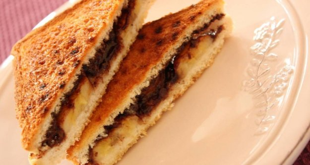 Muzlu çikolatalı tost