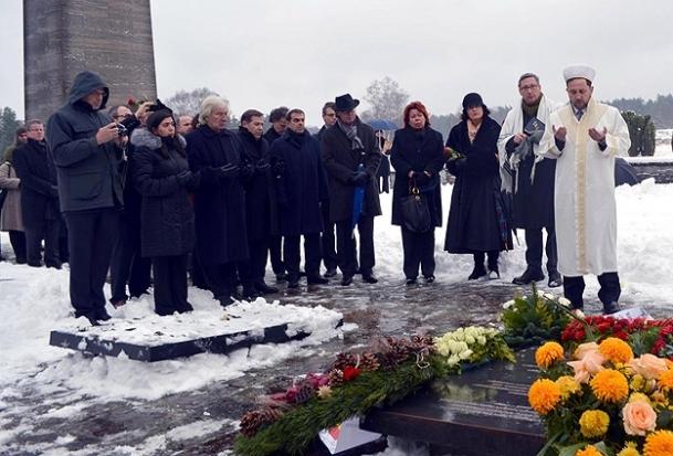 Nazi kurbanı 8 Türk için anıt