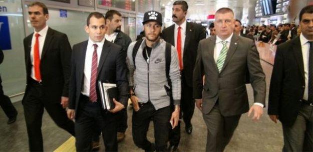 Neymar İstanbul'a geliyor!
