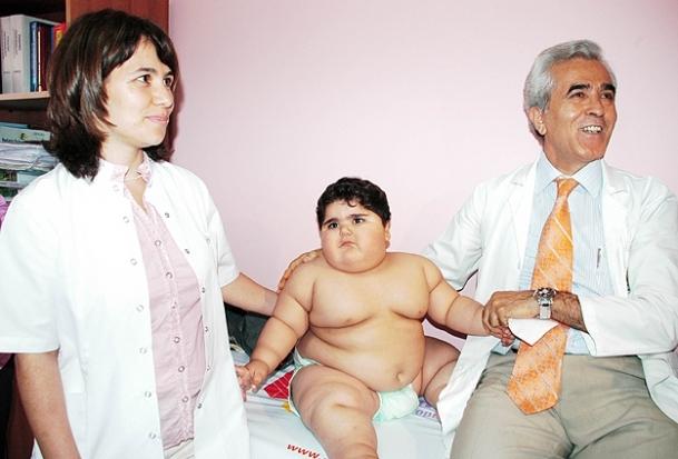 Obez çocuklar diyabet tehlikesiyle karşı karşıya