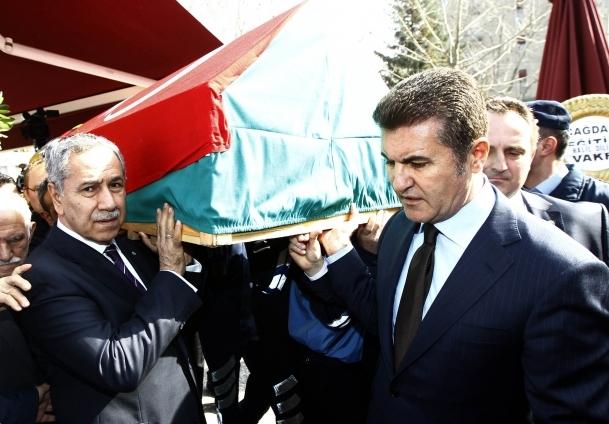 Osman Gidişoğlu son yolculuğuna uğurlandı