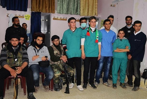 Özgür Suriye'nin genç doktorları