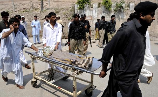 Pakistan'da operasyon talimatı
