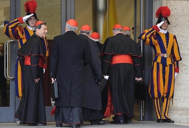 Papa seçimi için tarih çıkmadı