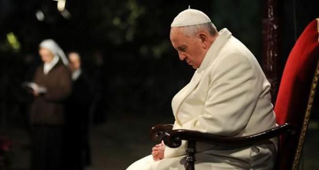 Papa 'soykırım' demedi şaşırttı!