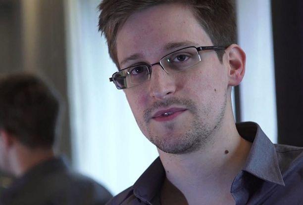 Polonya Snowden'in sığınma talebini reddetti