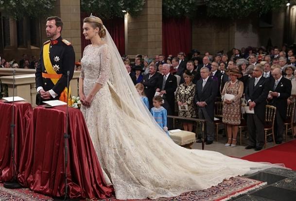 Prens Guillaume ile Kontes Stephanie evlendi
