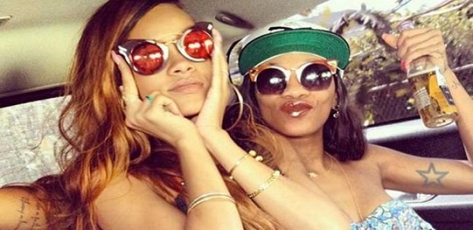 Rihanna'ya Dünya Dar Geldi !