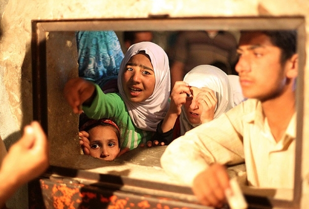 Şam ve Halep'te hayat durma noktasında