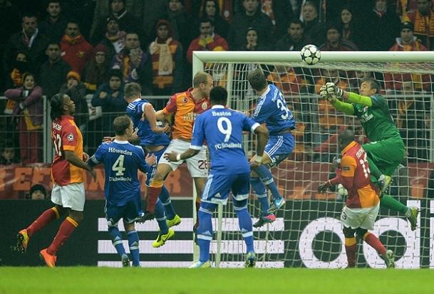 Schalke maçına İsveçlihakem