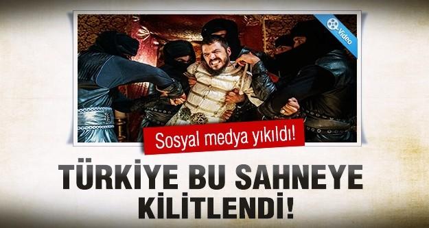 Şehzade Mustafa ekrana kilitledi