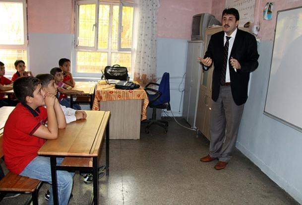 Sur Belediyesi'nden Kürtçe ders