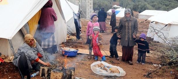 Suriye'de çadırda ''anne'' olmak