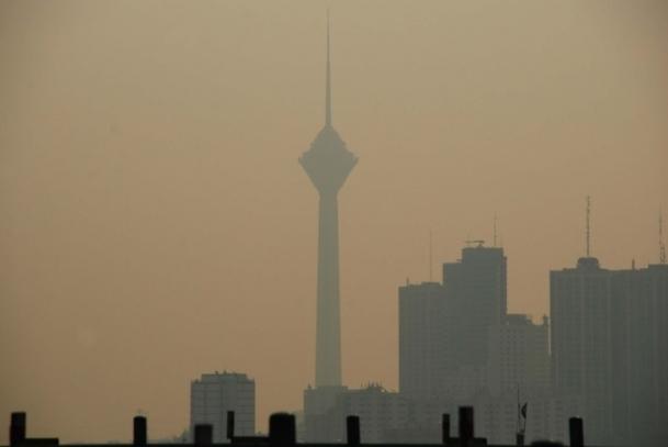 Tahran'da ''hava kirliliği'' tatili