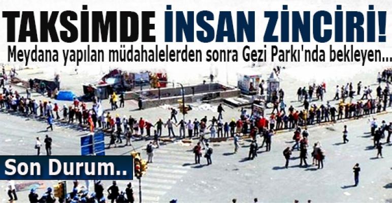 Taksim'de insan zinciri!