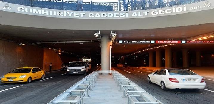 Taksim'de trafik yerin altında..