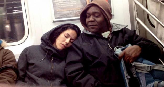 Tanımadığınız birinin omuzunda uyuyakalırsanız...
