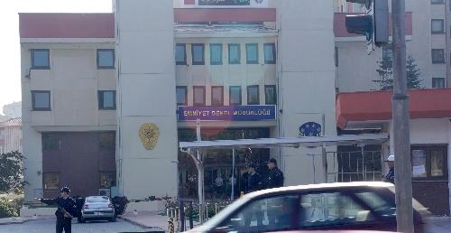 Temizlik işçisi EGM'nin ikinci katında ölü bulundu