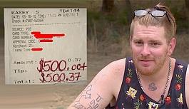 Bir su için garsona 500 dolar bahşiş bırakan kadın
