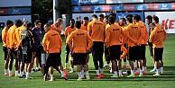 Galatasaray' da kader maçı öncesi toplantı