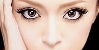 Gözleri büyük gösterecek makyaj hileleri