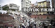Nepal'de ölü sayısı bin 910'a yükseldi!
