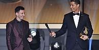 Ronaldo Messi'ye fark attı