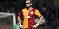 Sneijder: Bu takım bize bir beden büyüktü