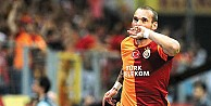 Sneijder çıldırdı: Biz çocuk muyuz?