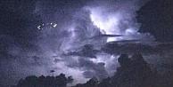 UFO'nun fotoğrafını çekip Twitter'a yükledi!