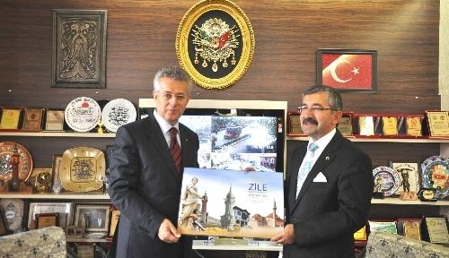 Tokat Valisi Mustafa Taşkesen, Zile'yi ziyaret etti