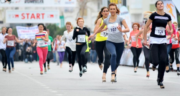 Topuklu ayakkabı maratonu
