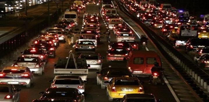 Trafikte Cuma Alarmı...