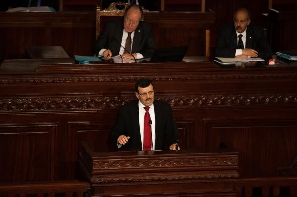 Tunus'ta hükümete güvenoyu