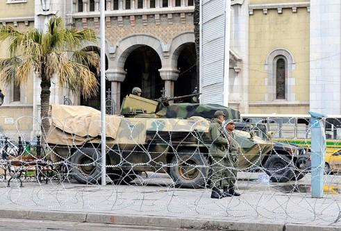 Tunus'ta olağanüstü hal kaldırıldı
