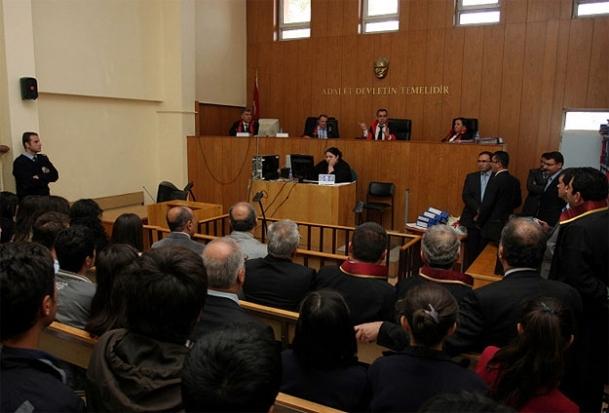 Türkiye'de 967 kişiye 1 avukat